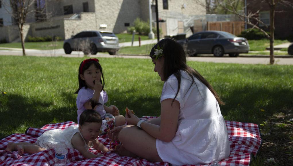 Picnic 2 1021x580 - Nebraskans embrace spring weather