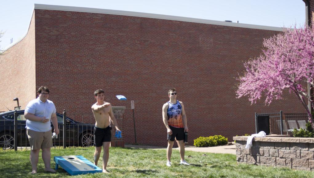 Sigma Chi 1 1021x580 - Nebraskans embrace spring weather