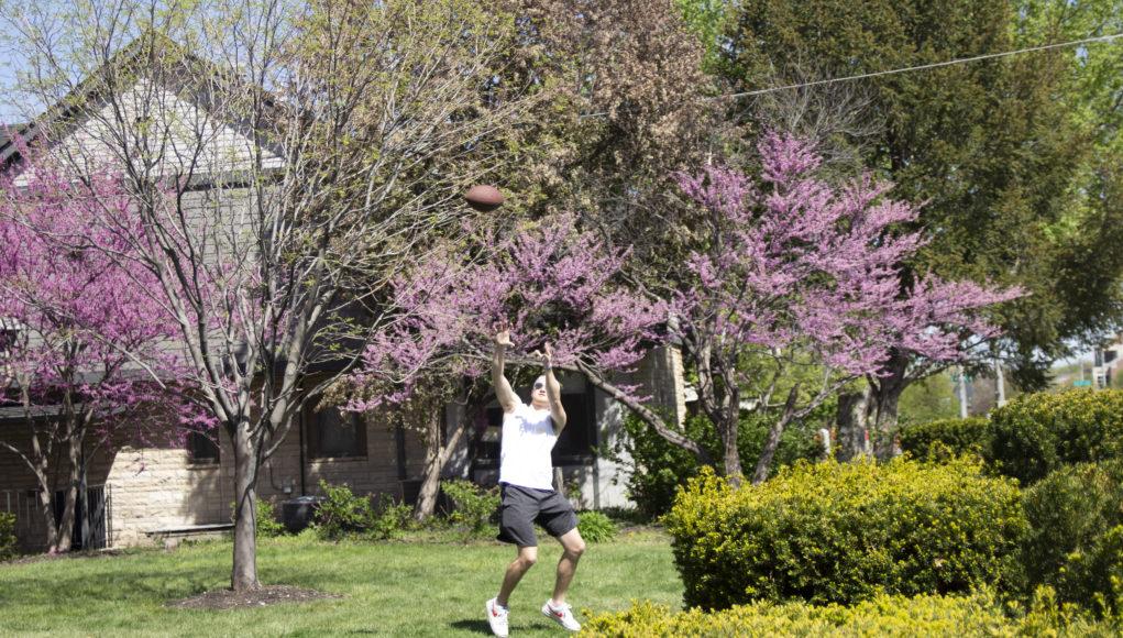 Sigma Chi 2 1021x580 - Nebraskans embrace spring weather